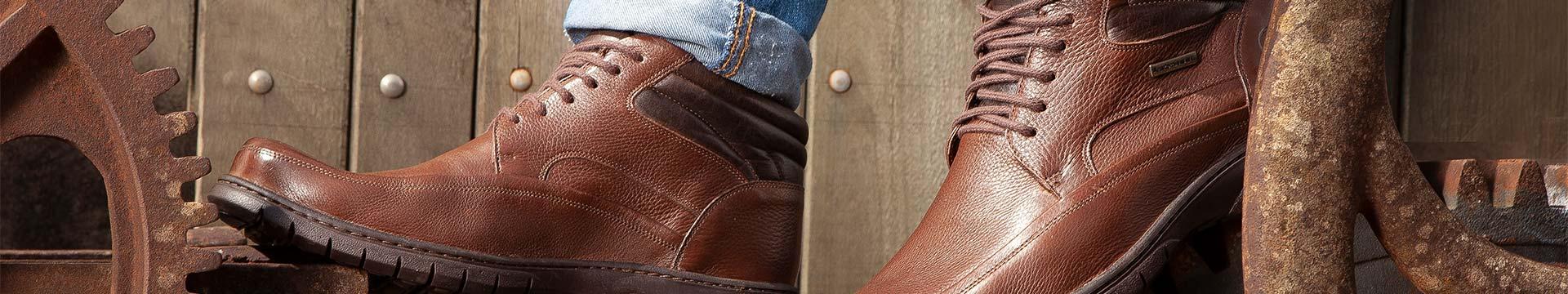 Calçados - Botas